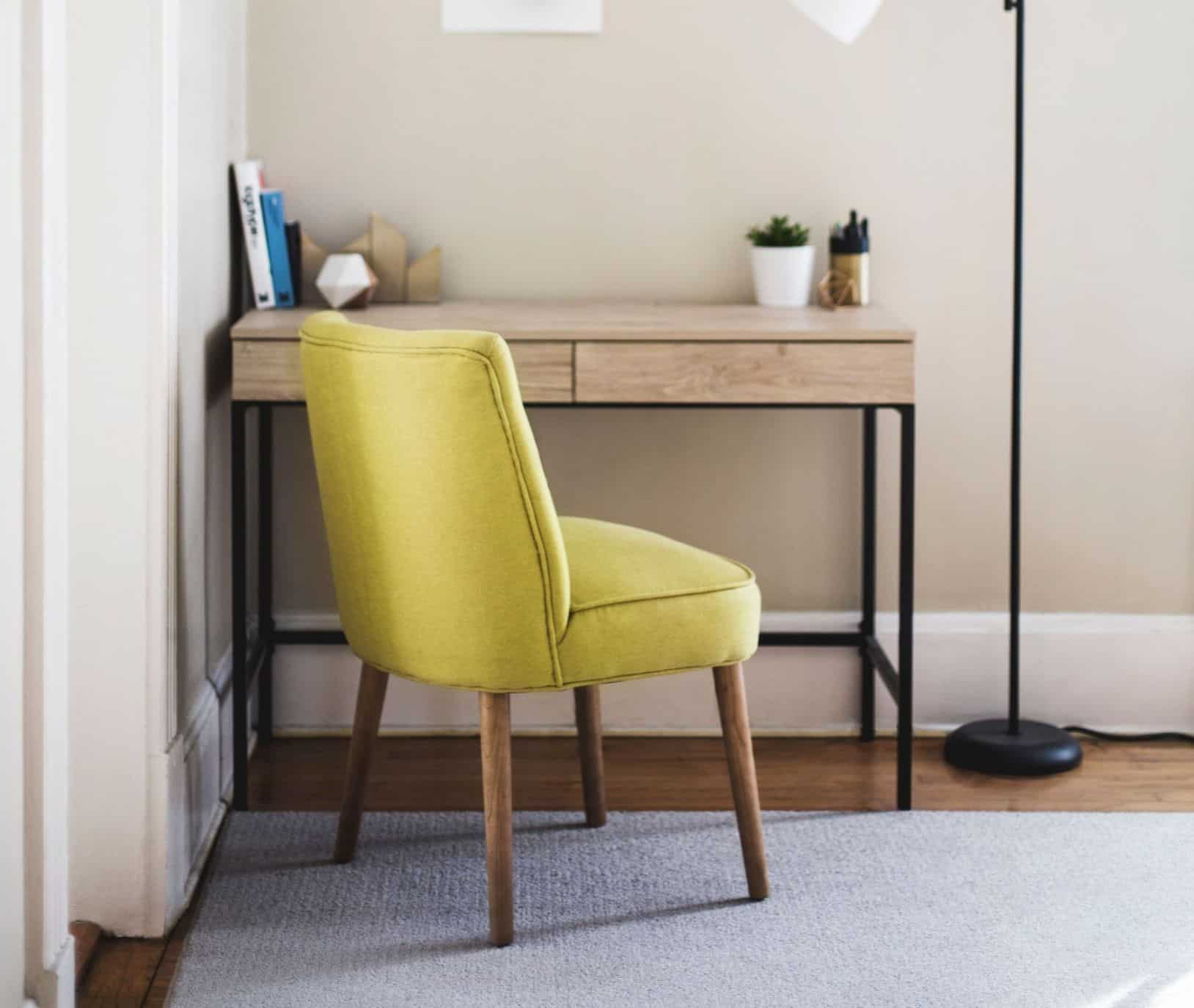 11-easy-effective-ways-maximise-space-home-office-5-pick-the-right-furniture-