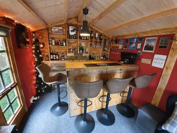 """The Yorkshireman"" – Phil's Garden Bar Log Cabin"