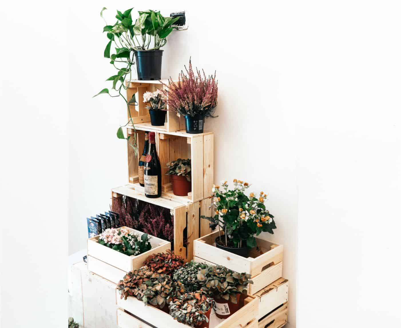 9-best-recycled-crafts-8-pallet-shelves-unsplash