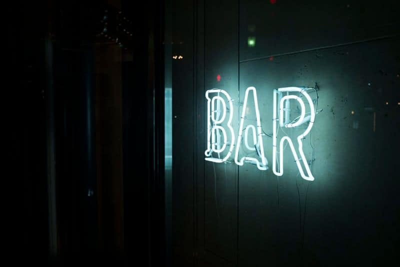 bar-sheds-are-the-newest-trend-1-give-the-bar-shed-name