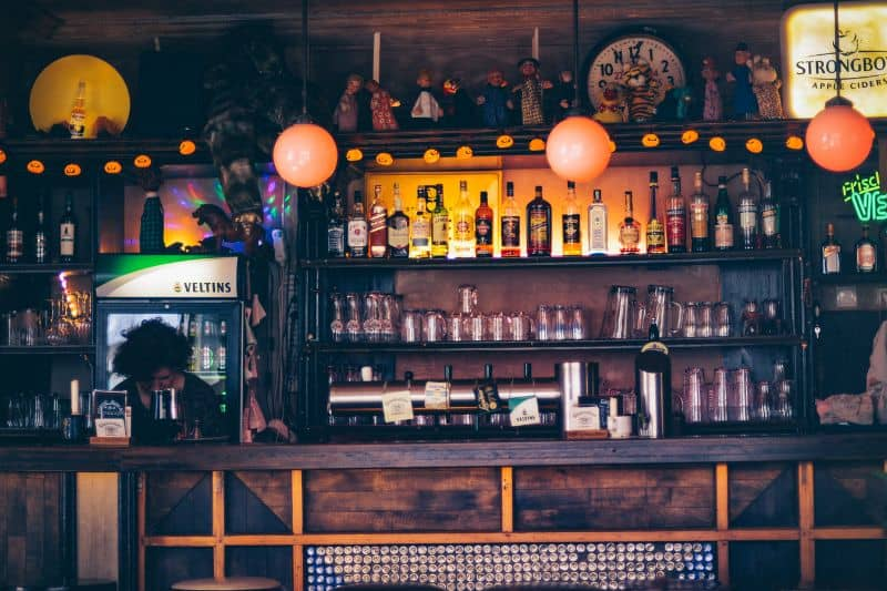 bar-sheds-are-the-newest-trend-2-choose-a-theme