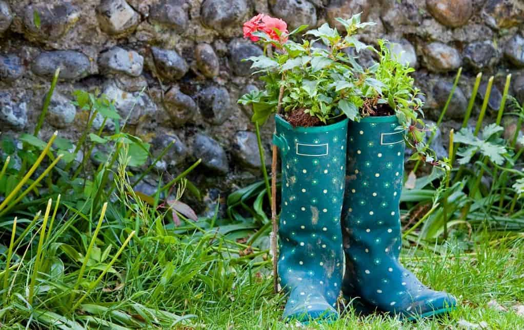 diy-plant-pot-alternatives-2--wellington-boots