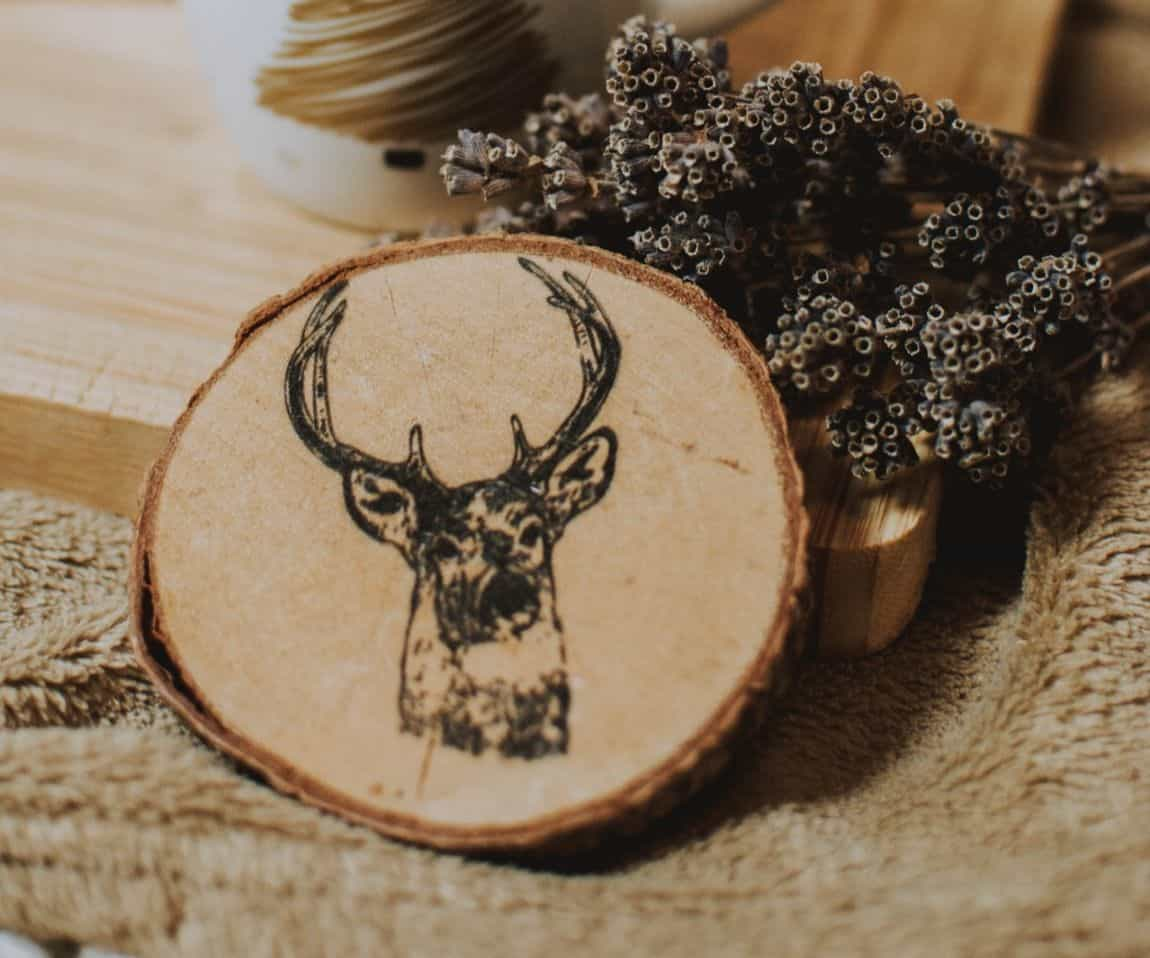 diy-wood-projects-3-scrap-wood-coaster-unsplash