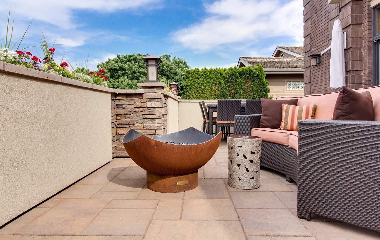 easy-garden-makeover-3-clean-your-patio