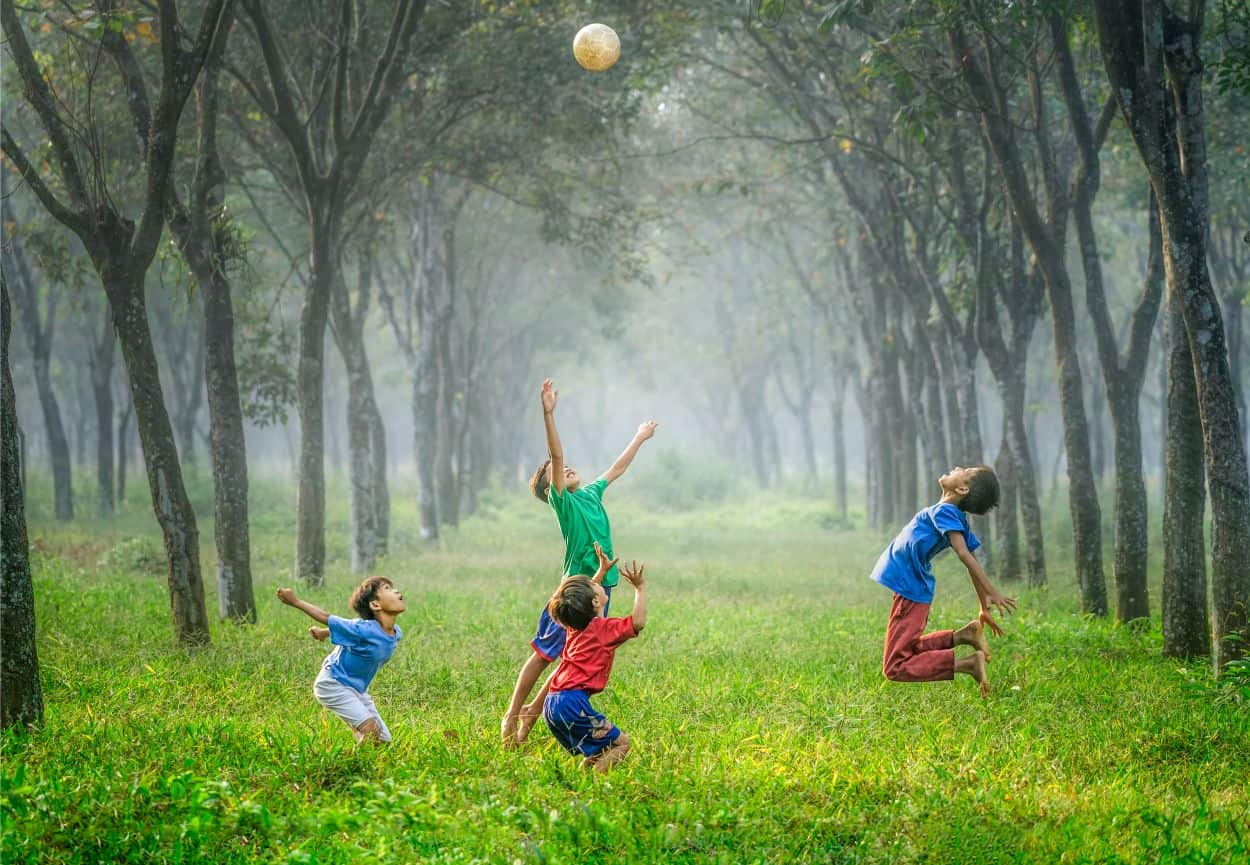 kids-need-play-outdoors-1-improves-learning