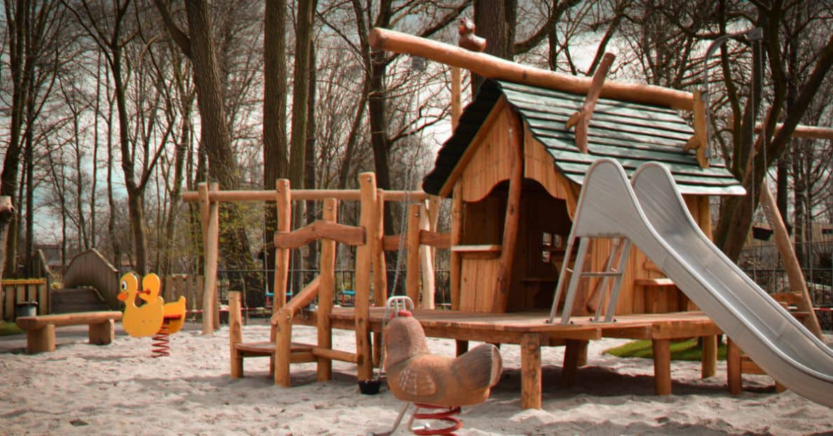 transform-boring-playhouse-wonderland-