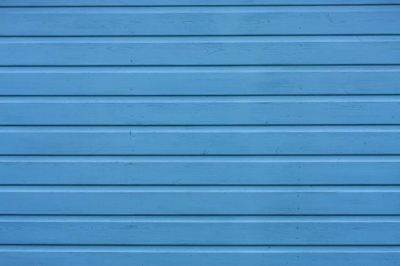 transform-boring-playhouse-wonderland-1-scrape-and-paint