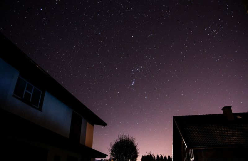 use-your-summerhouse-in-winter-2-relaxing-while-stargazing