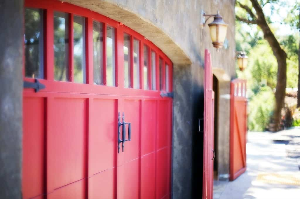 The 6 Main Advantages of a Wooden Garage